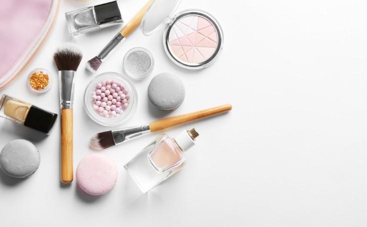 makeup contact lenses